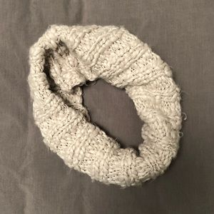 American Eagle knitted circle scarf